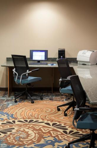 SpringHill Suites by Marriott Dallas Downtown / West End photo 14