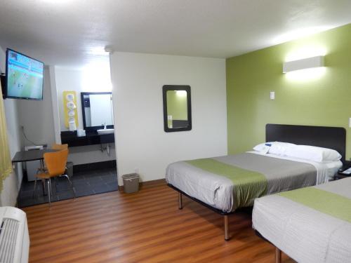 Motel 6 Childress - Childress, TX 79201