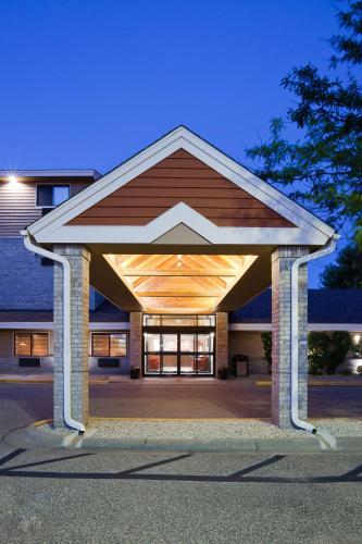 AmericInn Hotel and Suites Apple Valley Photo