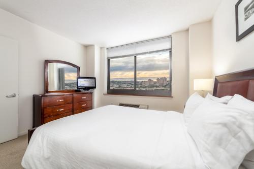 Monaco - Jersey City, NJ 07310