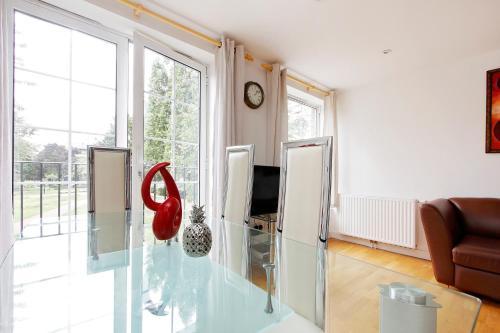 black prince 2 bedroom apartment london london rentbyowner com