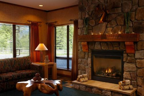 Pemberton Valley Lodge - Pemberton, BC V0N 2L1