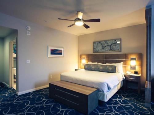 Wyndham Desert Blue Photo