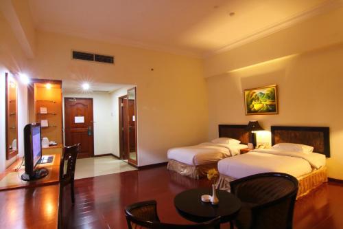 Golden View Hotel photo 36