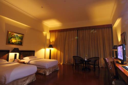 Golden View Hotel photo 37