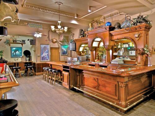 Historic Anchorage Hotel