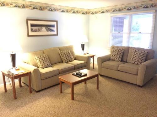 Elmwood Resort Hotel - Wells, ME 04090