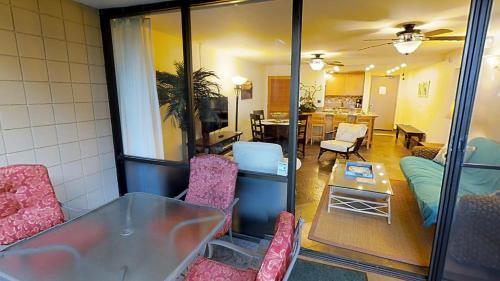 Valley Isle Beach Front Resort - Lahaina, HI 96761