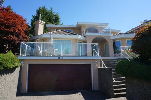 White Rock Quiet House (managed by OGO investment Corporation) Photo