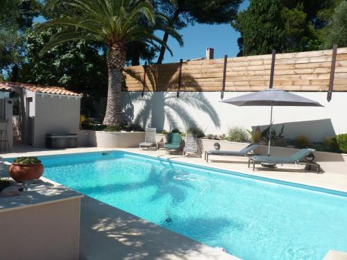 La villa du petit port chambre d 39 h tes 20 avenue de - Horaire piscine martigues ...