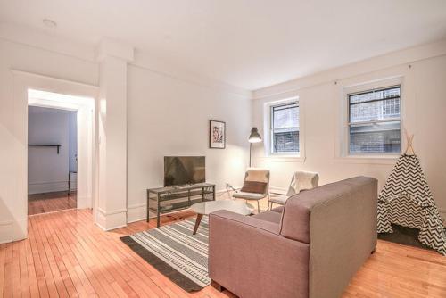 Mile End Apartments on Villeneuve West Photo