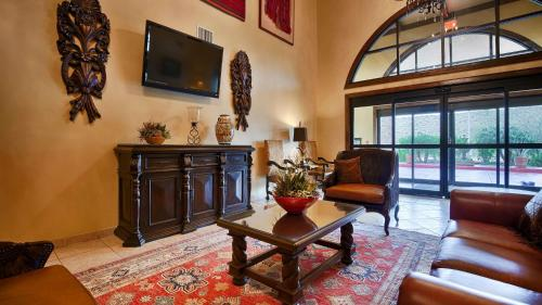 Best Western San Isidro Inn - Laredo, TX 78045