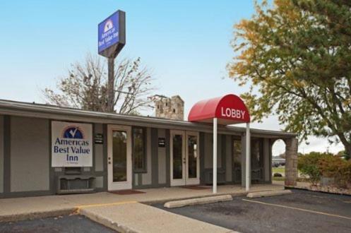 Americas Best Value Inn - Lansing