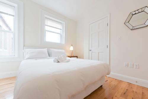 Three-Bedroom on Brainerd Road Apt 44 Photo
