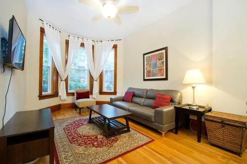 Three-bedroom On N Seminary Avenue Apt 1