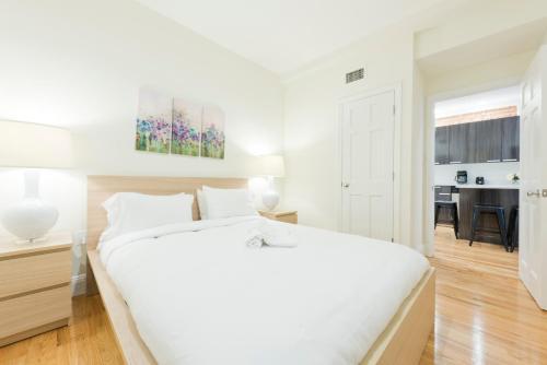 Three-Bedroom on Brainerd Road Apt 32 Photo