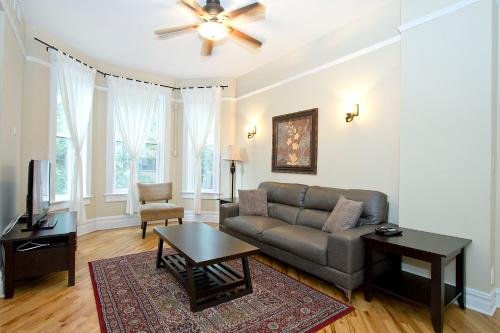 Three-bedroom On N Seminary Avenue Apt 2
