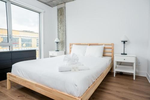 One-Bedroom on Rue de Bullion Apt 709 Photo