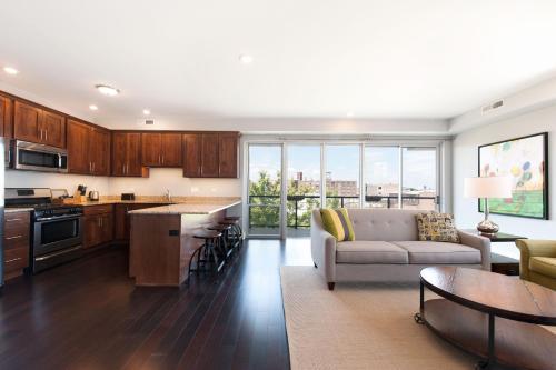 Two-bedroom On W Randolph Street Apt 4d