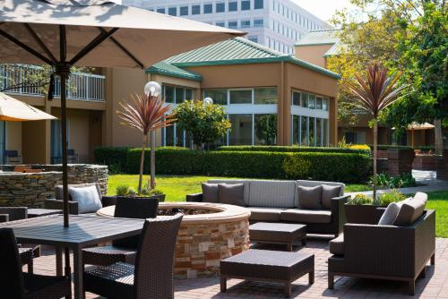 Courtyard by Marriott San Mateo Foster City Photo