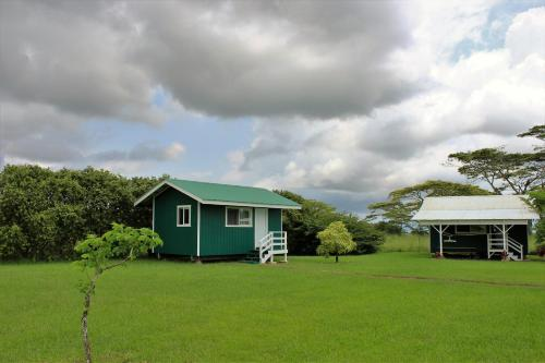 Paani cabins mountain view puna district big island for Big island cabins