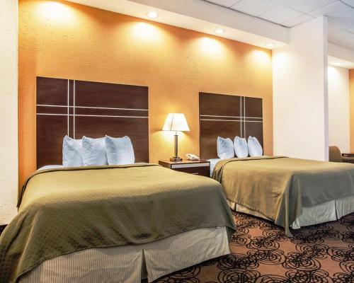 Quality Suites Milwaukee Airport Photo