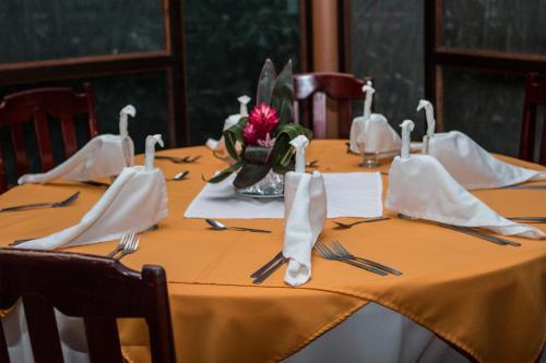 Aninga Lodge Photo