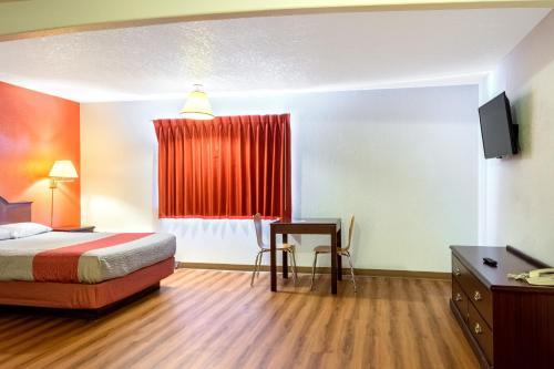 Motel 6 Gresham City Center Photo