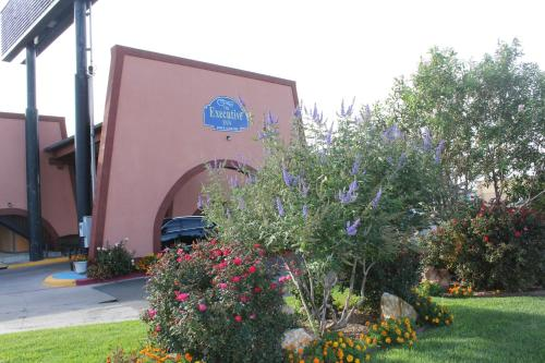 The Executive Inn & Suites - Amarillo, TX 79106