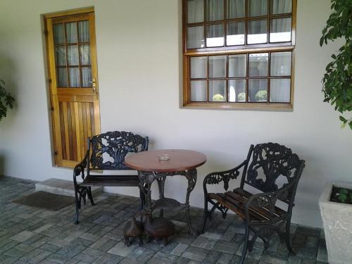 Hunter's Lodge