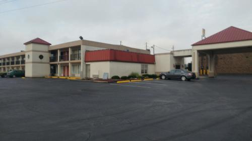 Countryside Inn Motel - Richmond, KY 40475