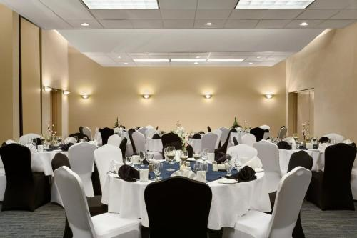 Days Inn & Suites Moncton Photo