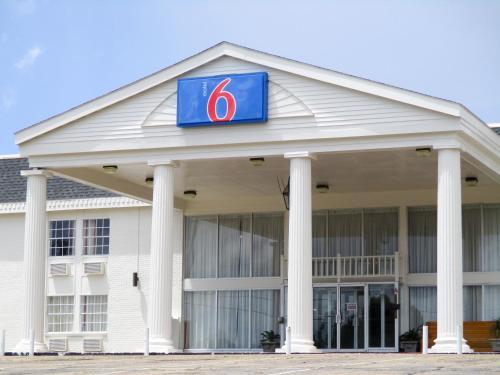 Motel 6 Vicksburg - Vicksburg, MS 39183