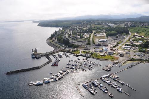 Cedar Park Resort - Port McNeill, BC V0N 2R0