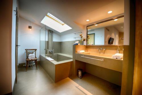 Habitación Doble - 2 camas Palacio Carvajal Girón 10