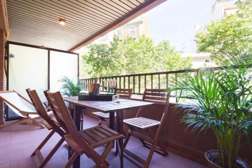 Apartment Barcelona Rentals - Classic Bonanova Apartment photo 3