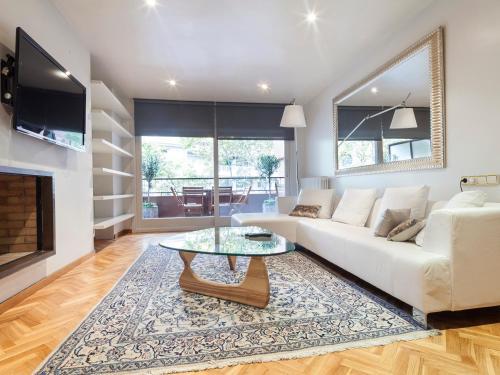 Apartment Barcelona Rentals - Classic Bonanova Apartment photo 4