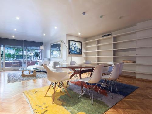 Apartment Barcelona Rentals - Classic Bonanova Apartment photo 9