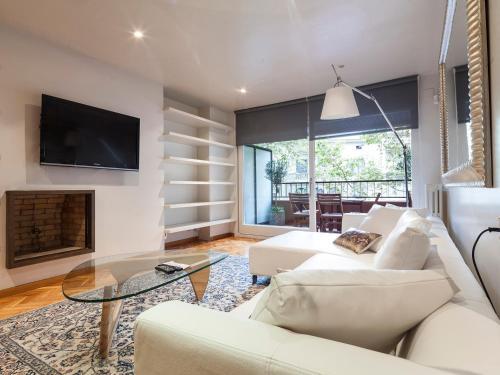 Apartment Barcelona Rentals - Classic Bonanova Apartment photo 10