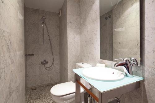 Apartment Barcelona Rentals - Classic Bonanova Apartment photo 13