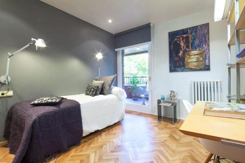 Apartment Barcelona Rentals - Classic Bonanova Apartment photo 16