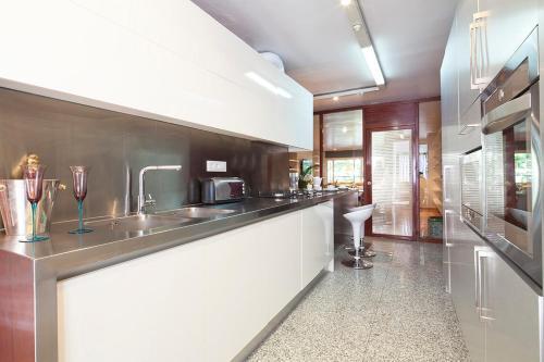 Apartment Barcelona Rentals - Classic Bonanova Apartment photo 18