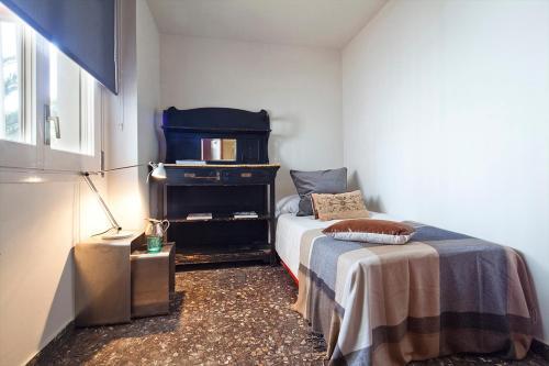 Apartment Barcelona Rentals - Classic Bonanova Apartment photo 23
