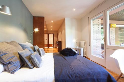 Apartment Barcelona Rentals - Classic Bonanova Apartment photo 26