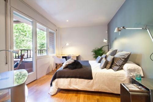 Apartment Barcelona Rentals - Classic Bonanova Apartment photo 28