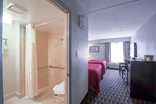 Quality Inn near Potomac Mills Photo