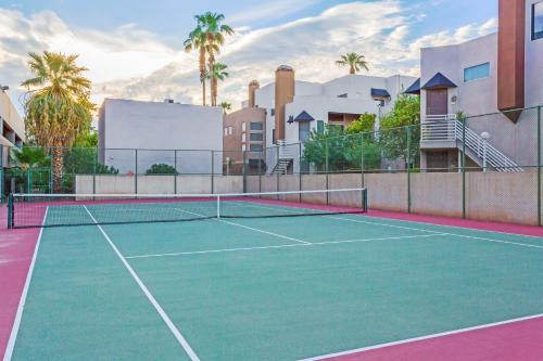 Wyndham Garden Midtown Phoenix photo 25