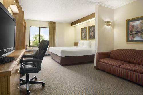 Country Inn & Suites by Radisson at Carowinds Photo