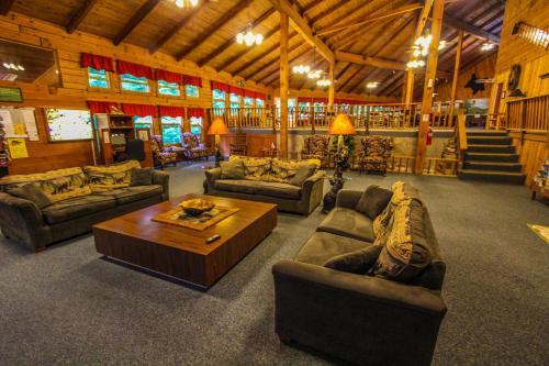 Smoketree Lodge, a VRI resort Photo