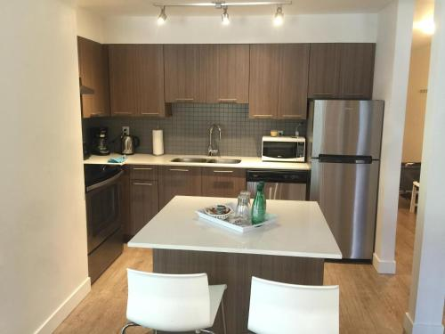 More Than 2 Bedroom Apartments - North Vancouver, BC V7N 1H5